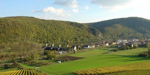 In Niederhausen ist die Nahe zur Energiegewinnung aufgestaut.