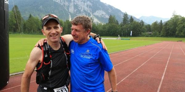 Mit 100 Meilen Streckenrekord (21:28) im Ziel