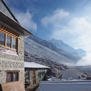 Lodge Dingboche ~4350m