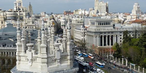 Die Hauptstadt bietet eine bunte Mischung aus Denkmälern und  Parkanlagen.