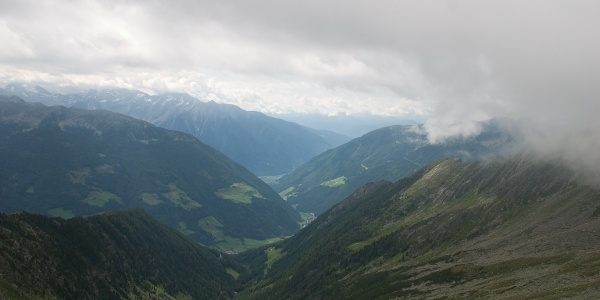Blick zurück zum Tal ist noch frei