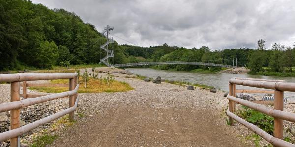 Erlebnisbrücke mit Aussichtsturm an der Iller.