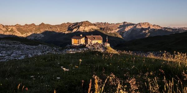 Prättigauer Höhenweg - die Carschinahütte