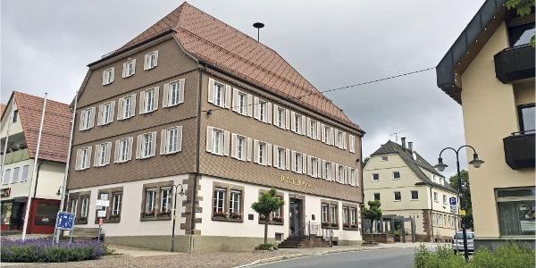 Gästeinformation und Rathaus