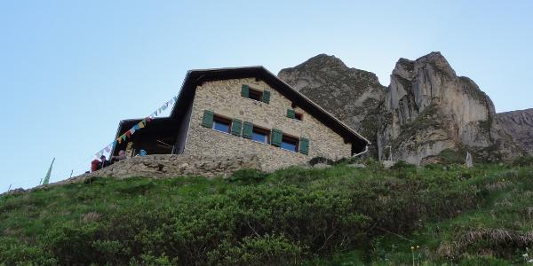 Frederick-Simms-Hütte kurz vor dem Erreichen