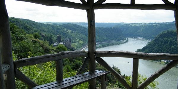 Wie der Name schon sagt können wir am Dreiburgenblick drei Burgen bestaunen - Burg Katz, Burg Maus und Burg Rheinfels.