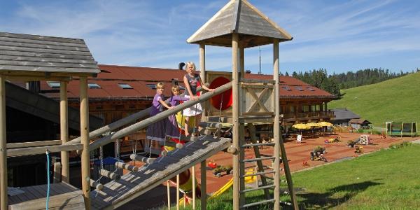 Erlebnisspielplatz beim Almhotel Hochhäderich