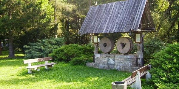 Das Mühlendenkmal in Stelzendorf