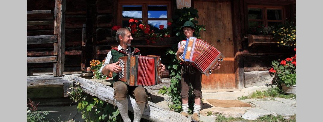 Auf der Maurachalm wird gerne musiziert und gesungen