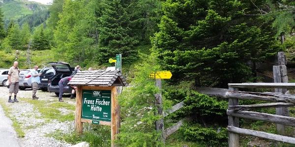 Parkplatz für den Aufstieg zur Franz Fischerhütte und Essersee