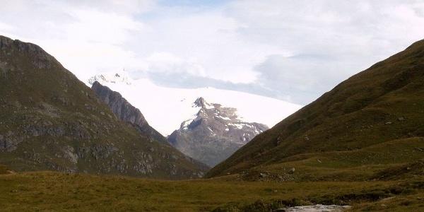 Abstieg im Großbachtal , immer mit Blick auf die Großvenedigergruppe