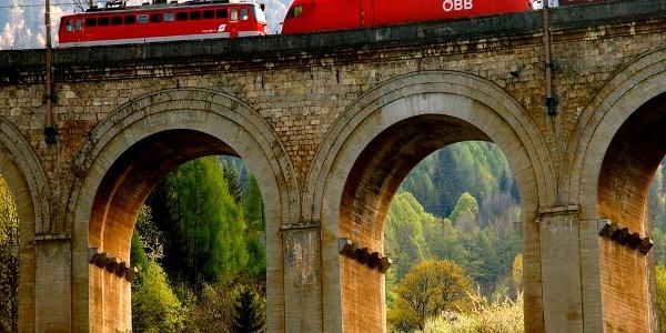 Am UNESCO Weltkulturerbe Bahnwanderweg