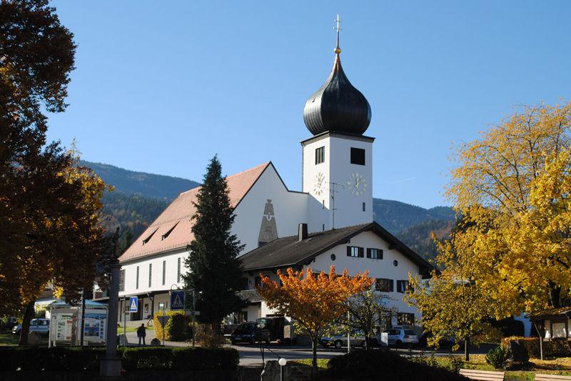 Pfarrkirche Herz-Jesu Bad Feilnbach • Kirche