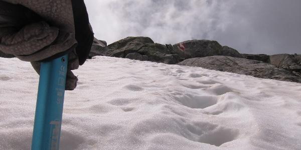 Ganzjährige Schneefelder im Anstieg zum Weinschnabel (06.07.2016)