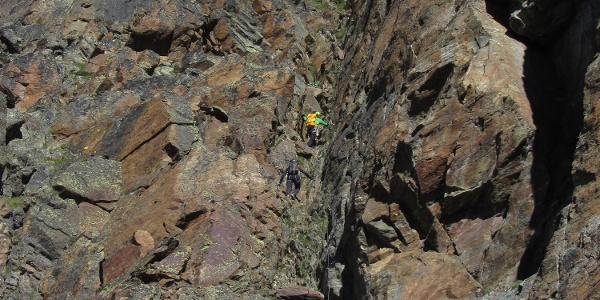 Der erste steile Abschnitt - eine Felsrinne (C)