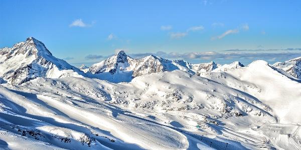 Verschneite Berge in Les 2 ALpes