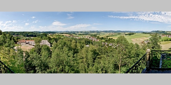 Panoramablick von der Burg Clam