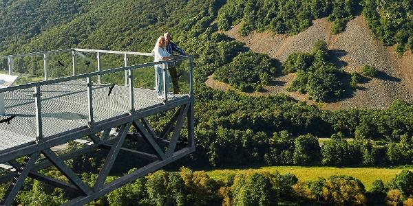 Blick vom Nahe-Skywalk zum Hellberg