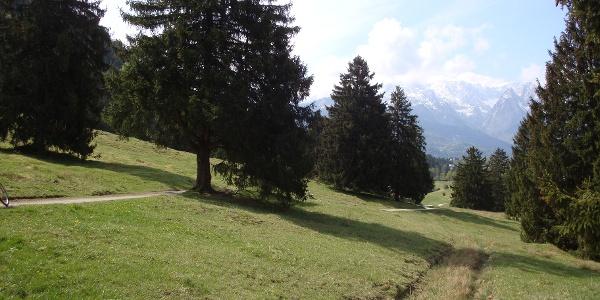 Landschaft zwischen Garmisch-Partenkirchen und Mittenwald