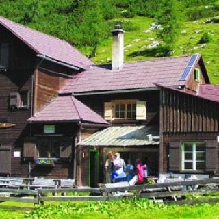 Hochmölbing Hütte