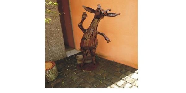 Reipoltskirchen - Wasserburg - Ziege von Walter Graser