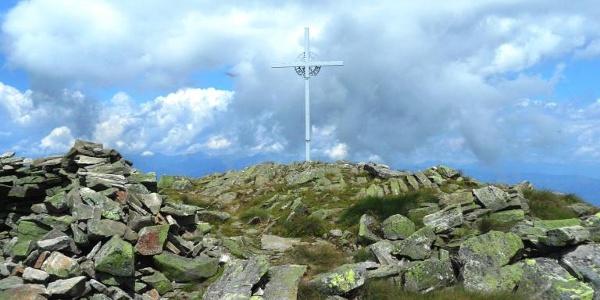 Kurz vor dem Gipfelkreuz Amering