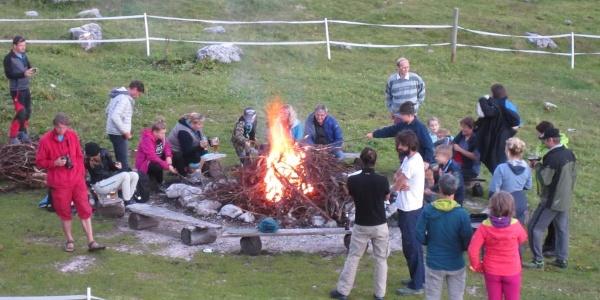 im Sommer wird auf der Gjaidalm oft ein Lagerfeuer gemacht