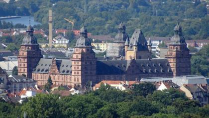 Ungewöhnlicher Blickwinkel auf das Aschaffenburg Schloss