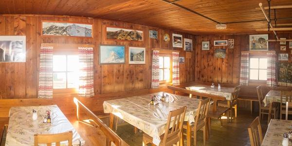 Gaststube der Zirbitzkogelhütte