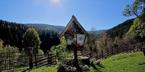 Hauskreuz beim Bauernhof Schmiedhofer