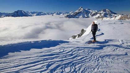 Über den Wolken: kurz vor dem Taferlnock-Gipfel; hinten Weißeck (links), Gr. Mosermandl (rechts Mitte) & Faulkogel (rechts hinten)
