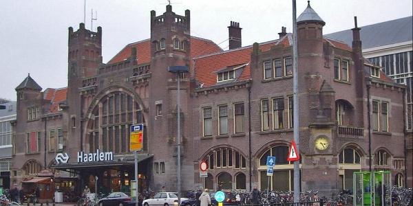 Ausgangspunkt: Bahnhof Haarlem