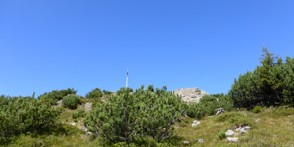 Gipfelkreuz von unten