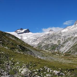 Wanderweg zum Gipfel