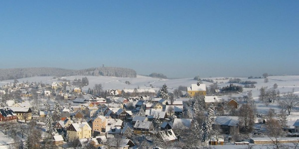 Blick auf das winterliche Hinterhermsdorf