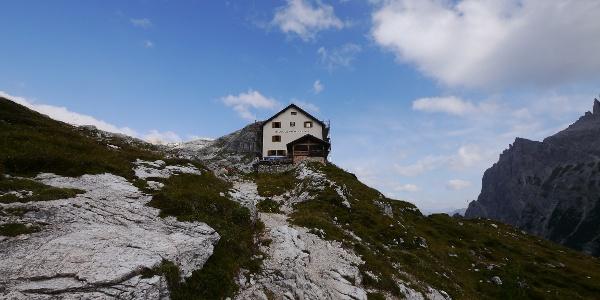 Blick auf die Zsigmondyhütte
