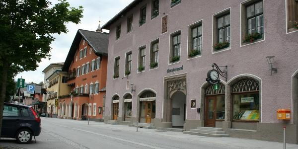 Brennhof mit Tourismusbüro