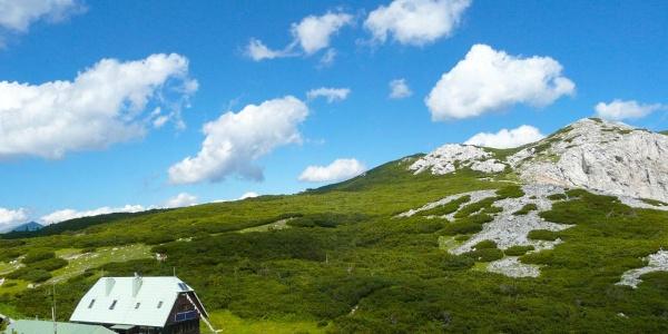 Neue Seehütte mit Preiner Wand