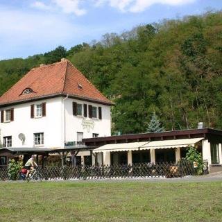 Weinstube Weisflug - 1. Sächsische Weinkönigin