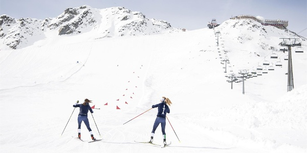 Cross-country ski training on the glacier