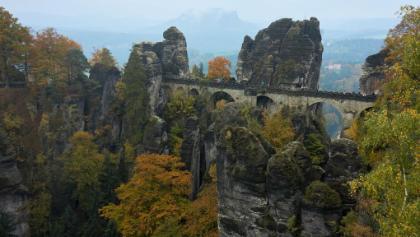 Malerweg - Blick vom Ferdinandstein auf die Basteibrücke