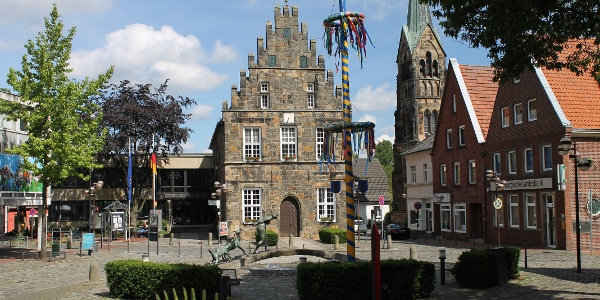 Marktplatz Schüttorf mit Rathaus