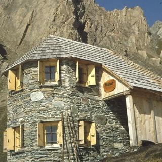Sajat Hütte