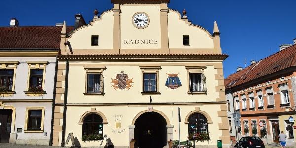 Rathaus Nove hrady mit Touristinformation