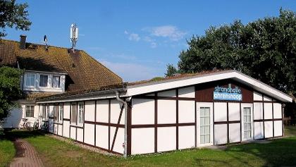 Strandhalle mit Gästehaus in Ahrenshoop