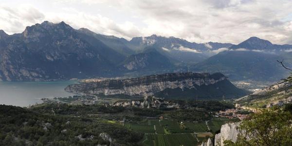 Panorama dal Segrom (strada del Baldo)