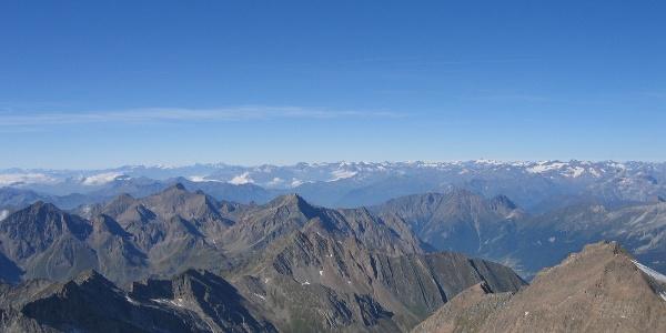 Blick zu den Stubaier Alpen