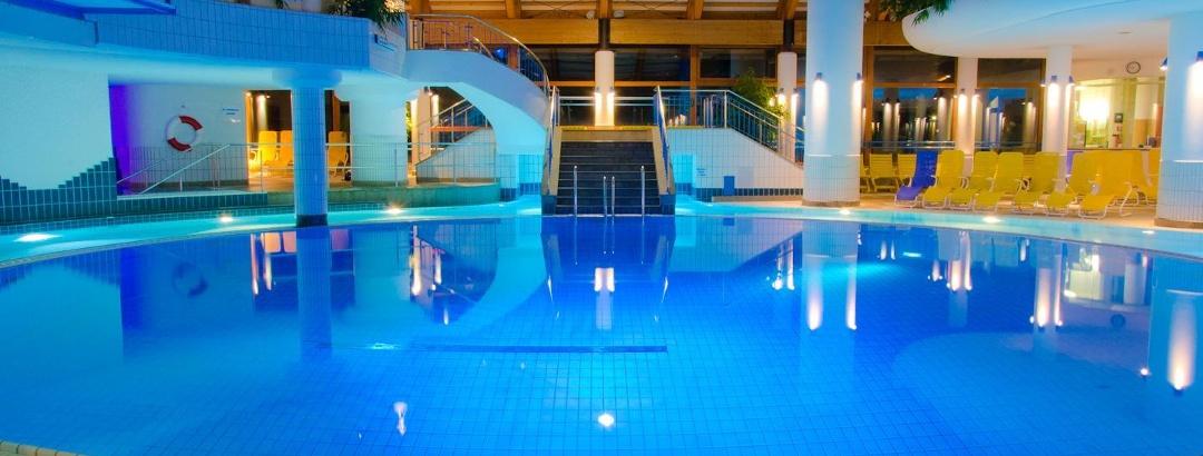 Erlebnisbad Aquaria mit 3 und 5 m Sprungturm