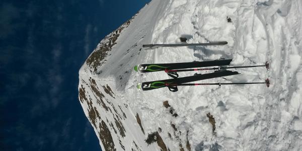 Blick vom Skidepot zum Gipfel