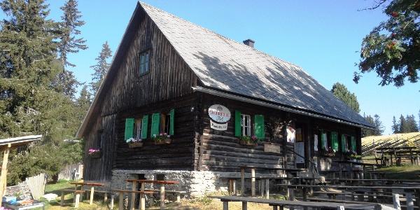 Knödelhütte im Sommer